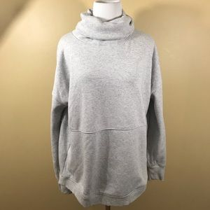 Athleta medium gray pullover turtleneck like new